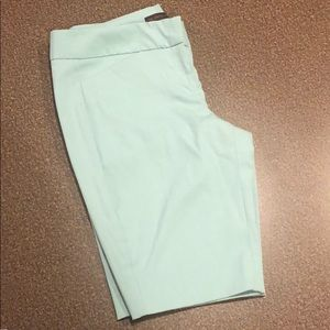 EUC The Limited exact stretch Bermuda Short